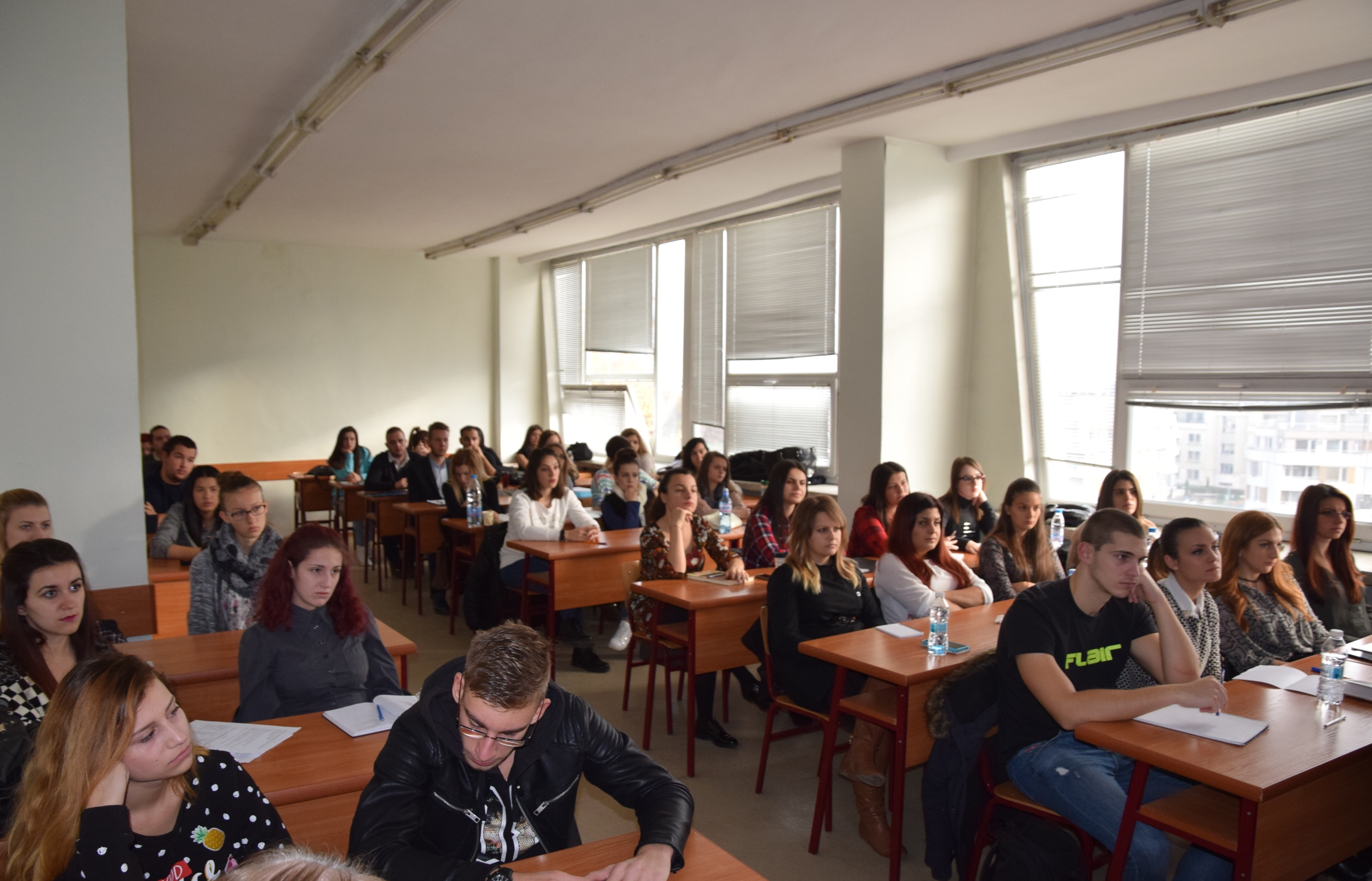 Студентите в залата